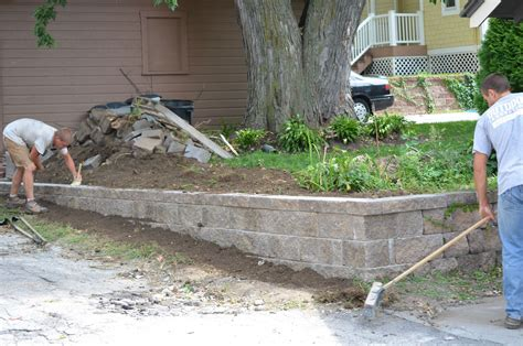 Retaining Wall Archives Omaha Landscape Design How To Build A Garden Wall On A Slope
