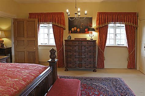 oak jacobean style chest  drawers  country house bedroom