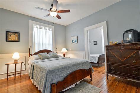 farnsworth house bedroom accommodations farnsworth house bed breakfast