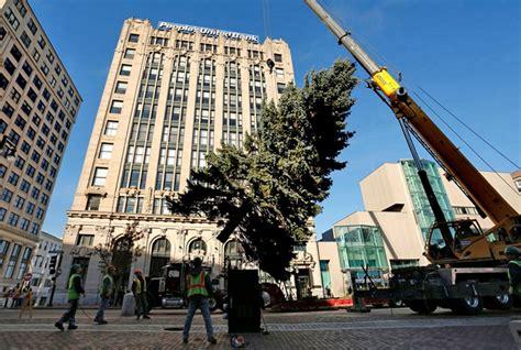 portland prepares for christmas tree lighting the