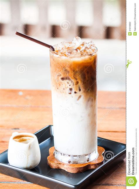 Es Coffee iced coffee latte with espresso adding stock photography image 31819892