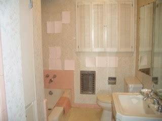 paint color with 50 s pink tile