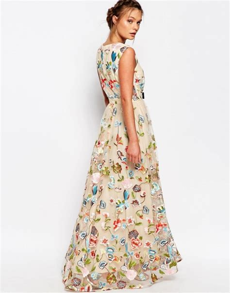 vestito con fiori matrimonio vestito fiori su abiti da sposa italia