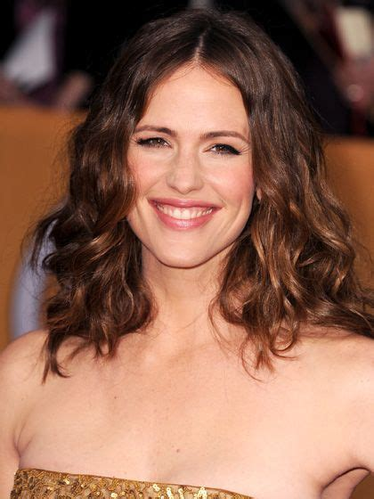 hairstyles for mid fortys the 11 most flattering haircuts for women in their 40s