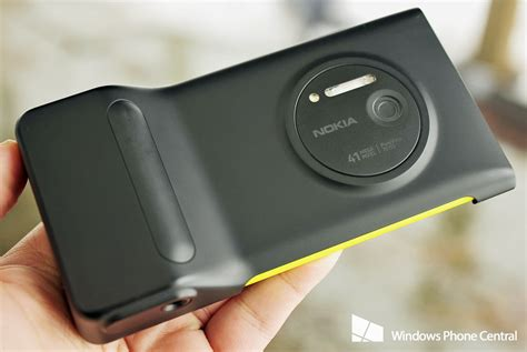 nokia 1020 grip nokia lumia 1020 six months with the best smartphone
