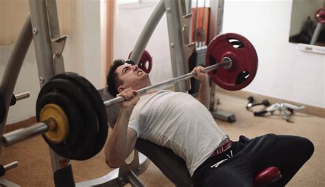 bench press picture how to gain strength on incline bench press think eat lift