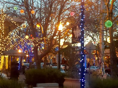 fourth street christmas lights berkeley shopping support berkeley merchants artisans berkeleyside