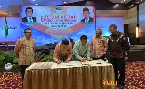 Manajemen Risiko Finansial Tsunaryo 120 ribu alumni universitas andalas akan miliki kartu atm bank riau kepri