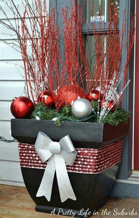 christmas decor 25 top outdoor christmas decorations on pinterest easyday