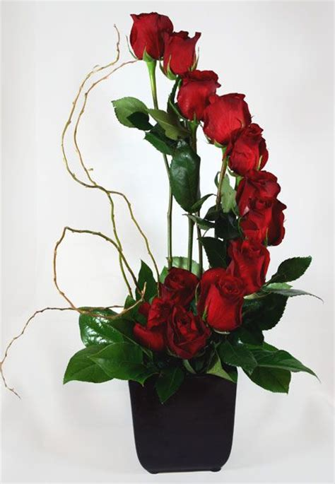 arrangement flowers 25 best ideas about rose flower arrangements on pinterest
