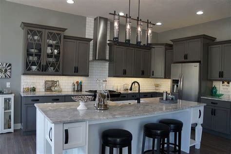 white cabinets with river white granite river white granite countertops pictures pros cons