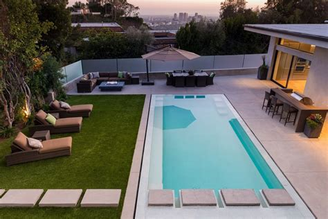 pool terrasse exclusive beverly residence offers lovely terrace