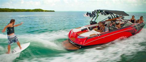 wake boat engines inboard ski wakeboard boats