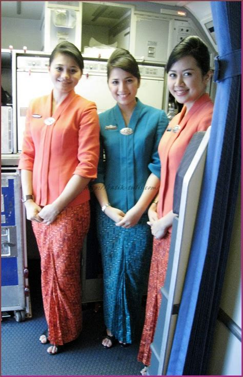 Kain Batik Motif Garuda Modern model baju batik pramugari modern batik tulis indonesia