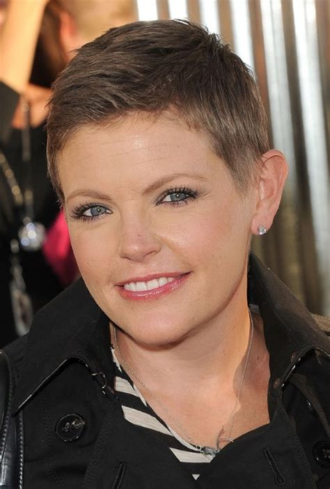 very short pixie haircuts for women very short boyish pixie haircut for women natalie maines