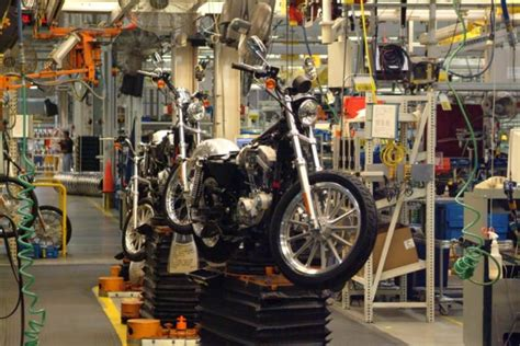 Harley Davidson Factory Tour Milwaukee by 7 Fantastic Factory Tours You Can Take In Missouri