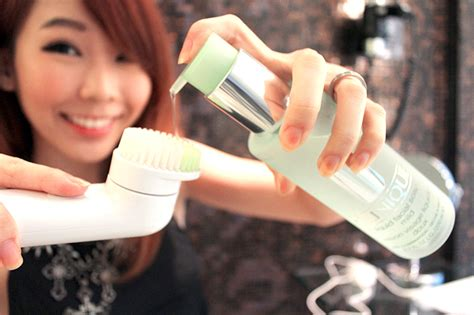 Bridge Device Detox Reviews by Clinique Sonic System Purifying Cleansing Brush