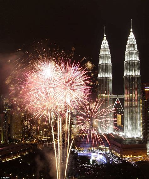 new years kuala lumpur happy new year spectacular pictures show countries across