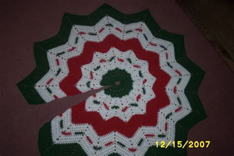 crochet every day december 20 granny square tree skirt