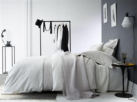 idee deco chambre adulte gris 3248 une chambre 224 la d 233 co grise joli place