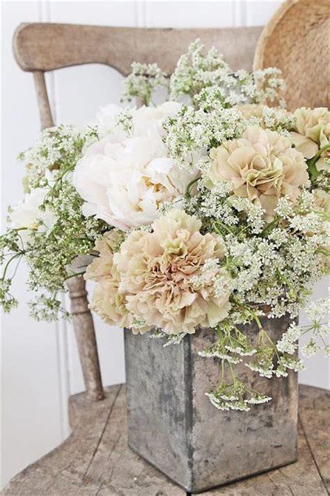 White Wedding Flower Arrangements by 25 Best Ideas About Rustic Flower Arrangements On
