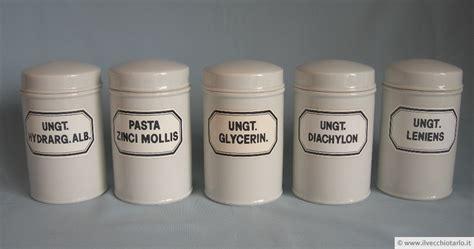 vasi in ceramica antichi antichi vasi da farmacia albarelli ceramica da collezione