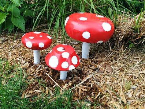 susie qute mushroom garden decorations diy