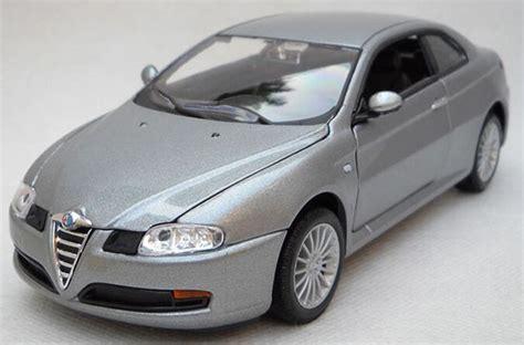 Diecast Alfa Gt silver 1 24 scale welly diecast alfa romeo gt model nm02b278 ezmotortoys