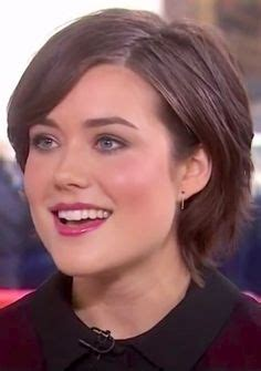 blacklist megan boone new hairstyle 1000 images about beauty on pinterest megan boone
