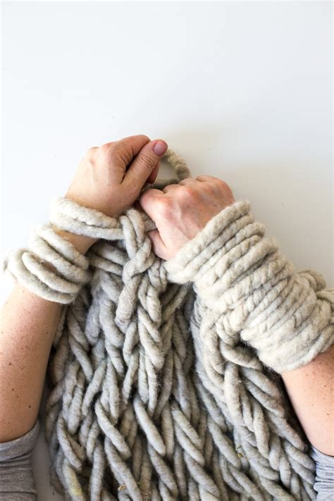 finger knitting blanket six ways to make your arm knitting tighter flax twine