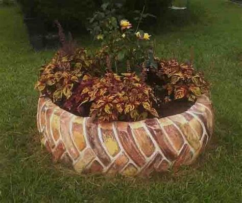 How To Paint Tires For Planters by 25 Best Ideas About Tractor Tire On Tractor Tire Pond Tire Pond And Diy Pond