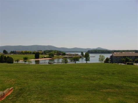 boat rentals smith mountain lake bernard s landing condo with a view on smith mountain lake
