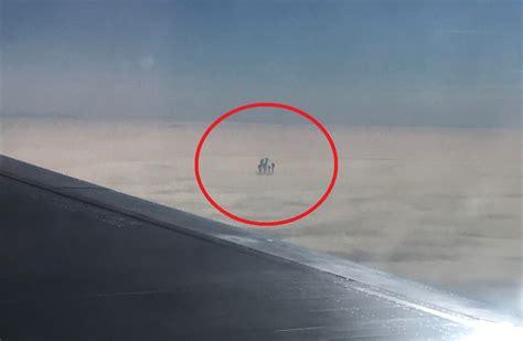 imagenes extrañas de nuves pasajero de avi 243 n fotograf 237 a extra 241 as figuras sobre las