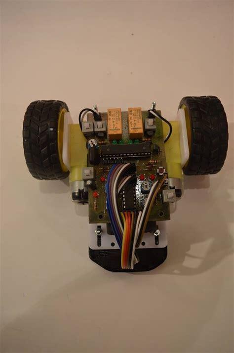 Jual Lu Led Motor Kota Malang robot line follower mikrokontroller 2015 4 sensor jual