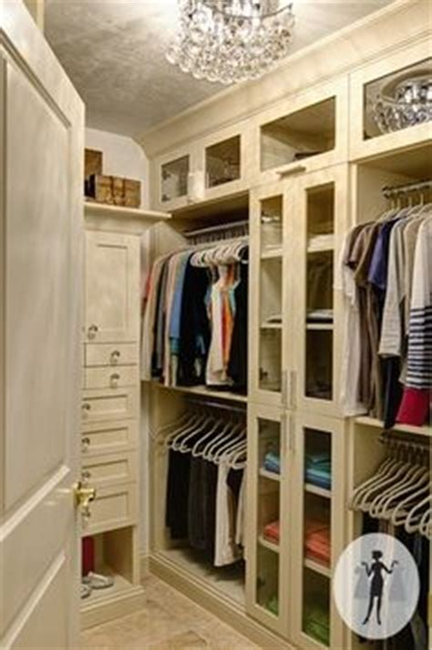 Tiny Walk In Closet by 1000 Images About Walk In On Walk In Closet