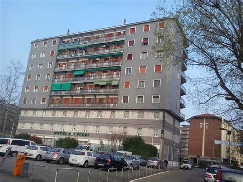 hotel dei fiori milan palazzo condominiale con l hotel nei primi 2 piani