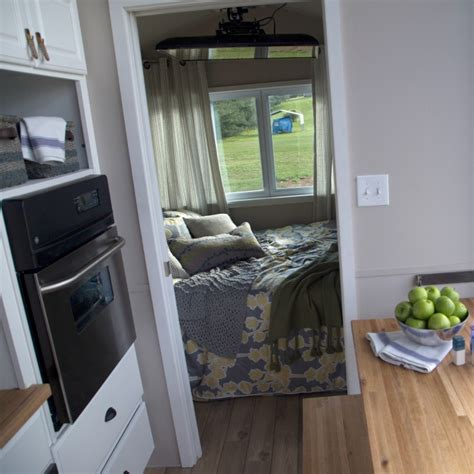 tiny house nation schedule tiny house nation episodes schedule fyi network