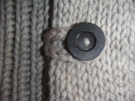 how to make knitted buttonholes toggles an easy alternative to button holes 171 kb looms