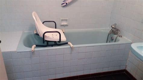 siege baignoire personne agee ouverture de baignoire avec installation d un si 232 ge de