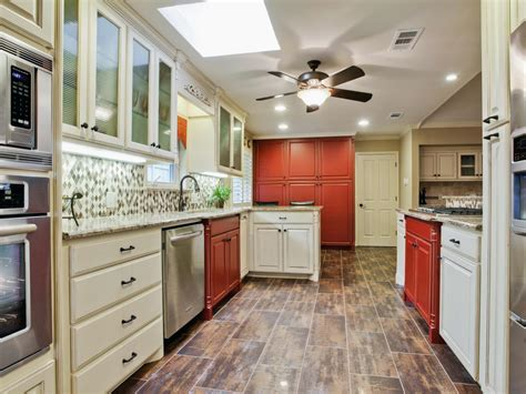 Hgtv Kitchens With White Cabinets Farmhouse Style Kitchen Pictures Ideas Tips From Hgtv Kitchen Ideas Design With Cabinets