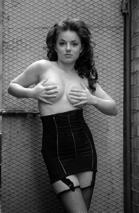 Naked Celebrites Pics Erooups Com