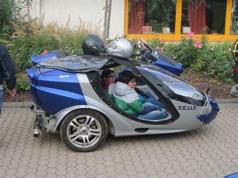 Motorradgespann Kinder by Gro 223 Bild Zwei Kinder Warten Im Zeus Beiwagen Auf Die Abfahrt
