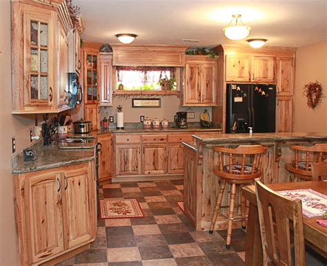 Kitchen wall colors with hickory cabinets smith design how to choose colors for your kitchen