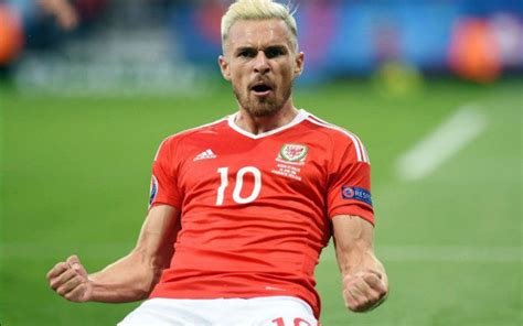 wales and arsenal fc star aaron ramsey explains exactly arsenal star aaron ramsey a target for jose mourinho