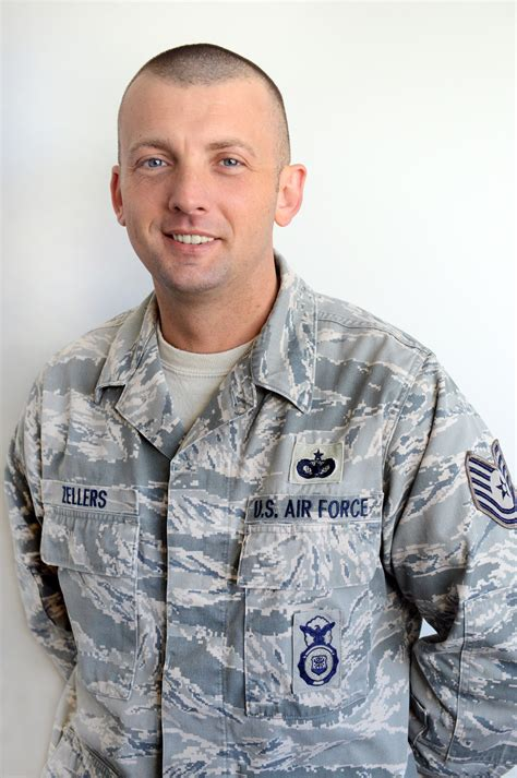 183rd airman receives security forces award