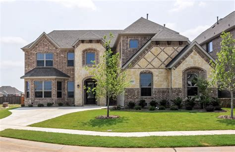 dfw custom homes enjoy distinctive homes within