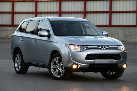 Mitsubishi Reviews Outlander 2014 Mitsubishi Outlander Reviews And Rating Motor Trend