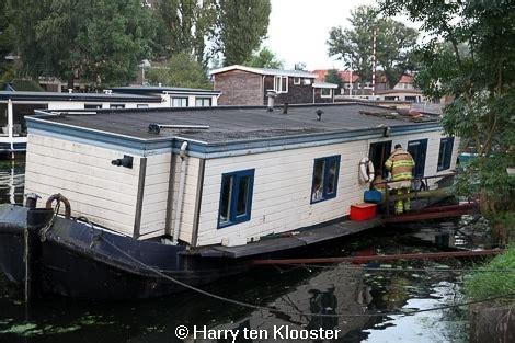 woonboten te koop zwolle bewoner woonboot komt met de schrik vrij weblog zwolle