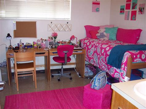 college dorm room ideas peay pod the one where i catch up on almost 9 months