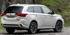Mitsubishi Outlander Phev Mpg Mitsubishi Outlander Phev Review Carwow